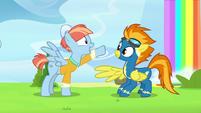 S07E07 Windy poznaje Spitfire