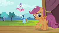 Scootaloo looks at her wings S4E05
