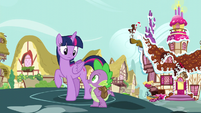 Spike and Twilight look at each other S5E22