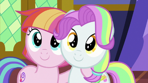 Toola Roola and Coconut look at Mane Six S7E14
