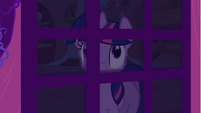 Twilight looking through door S1E24
