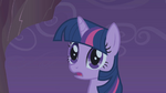 Twilight realizes that she has stopped falling S1E02