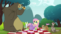 Animals enjoying the picnic S3E3