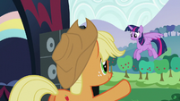 Applejack giving Twilight the signal S5E24
