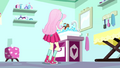 Fluttershy bathing Winona SS7.png
