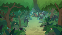 Ponies and students run through the woods S8E9