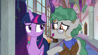 Professor Fossil wishes Twilight good luck S8E21
