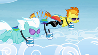 Rainbow, Spitfire and Fleetfoot eating while flying S4E10