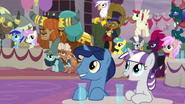 S9E26 Rodzice Twilight i przyjaciele na koronacji