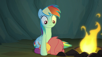 Scootaloo cowers in fear next to Rainbow Dash S7E16