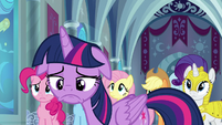 Twilight pouting in disappointment S9E4