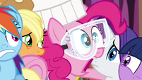 Pinkie Pie 'I gotta get out of here!' S4E18