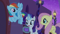 "Rarity ""Flaming Sky Firework Unicorn Troupe"" S9E17"