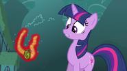 S3E05 Trixie zabiera amulet Twilie