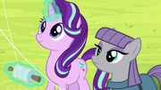 Starlight Glimmer and Maud Pie fly kites S7E4