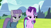 Starlight and Maud skeptical of Pinkie S7E4