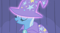 Trixie -oh, ye of little talent- S1E06