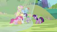 Twilight's friends getting blocked out from Twilight S3E05