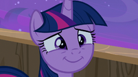 Twilight Sparkle smiling at her dear family S7E22