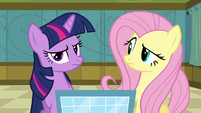 Twilight e Fluttershy intrigadas T2E16