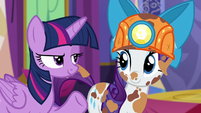 Twilight looks at Rarity S6E5