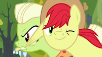 Bright Mac winking back at Pear Butter S7E13
