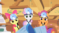 Cutie Mark Crusaders hammering S1E17