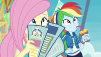 Fluttershy and Dash look at the coaster EGROF