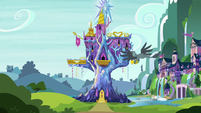 Gabby flies to the Castle of Friendship S9E19