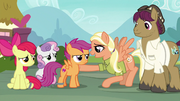 Mane Allgood trying to cheer up Scootaloo S9E12