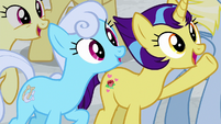 "More ponies chanting ""Friendship U!"" S8E16"