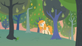 Pear Butter discovers field with no weeds S7E13.png