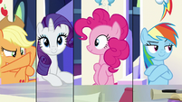 Rarity listening to Twilight Sparkle S9E4