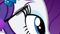 Rarity putting on mascara EG