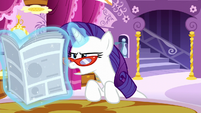 Rarity reads --unfettered behind-the-scenes access-- S6E9