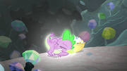 Spike glowing S6E5