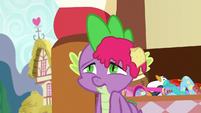 Spike with cupcake filling on his head S7E3