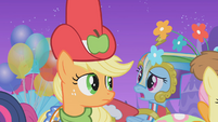 The ponies start to think their custom made dresses are hideous S1E14