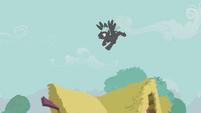 Thunderlane flying upward S5E9