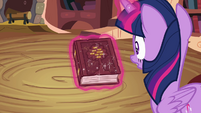 Twilight Sparkle levitating book S4E09