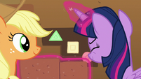 Twilight reveals secret panel in the wall S7E2