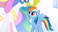 Celestia crowns Rainbow Dash S1E16