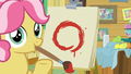 Kettle Corn reveals her painting of a circle S7E21.png