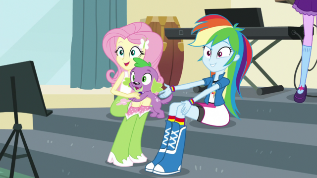 File:Rainbow, Fluttershy, and Spike look at Pinkie Pie EGS1.png