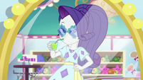 Rarity models clam-shaped sunglasses EGSB