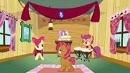 S03E04 Sweetie Belle formally welcoming Babs Seed