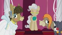 S05E9 Cranky i Matilda na ceremonii