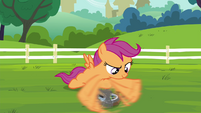 Scootaloo fixing her unicycle S4E15