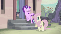 Starlight points at the village S5E02