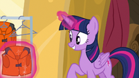 Twilight Sparkle picking up a life jacket S7E22